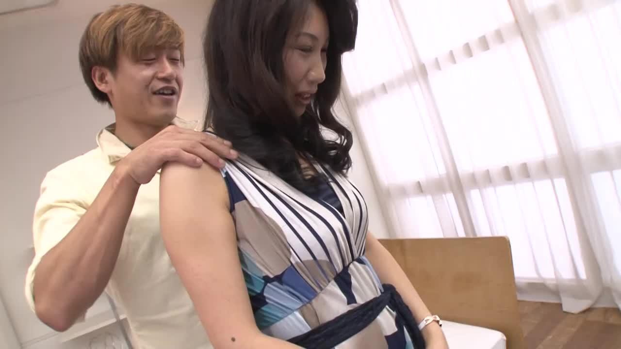 通訳のお仕事をしていた中国人の人妻がAVデビューするドキュメント企画【吉澤紅花/36歳】