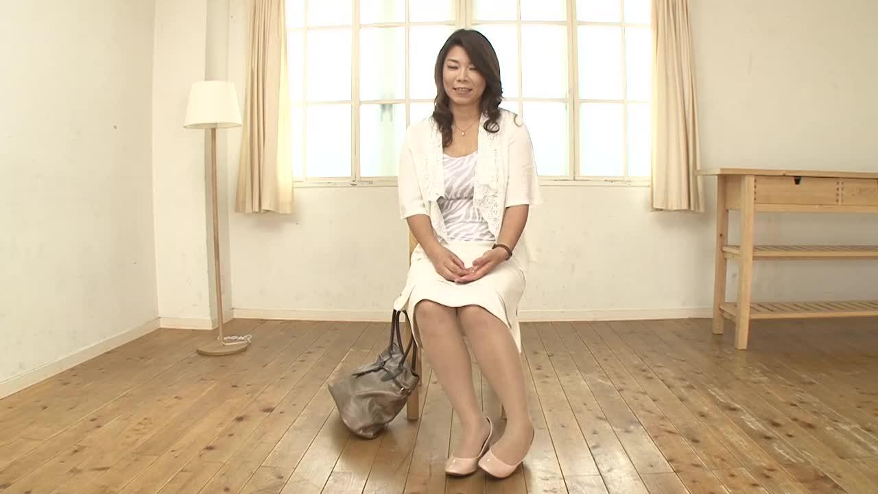「本当にオナニーしたことありません!」四十路の三村香織さんが初撮りAVデビューするドキュメント企画
